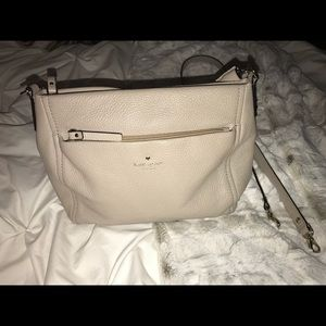 KATE SPADE COBBLE HILL LITTLE CURTIS PURSE-beige